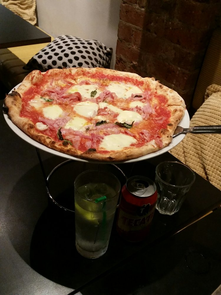 Pizza | © Lily O. / Yelp