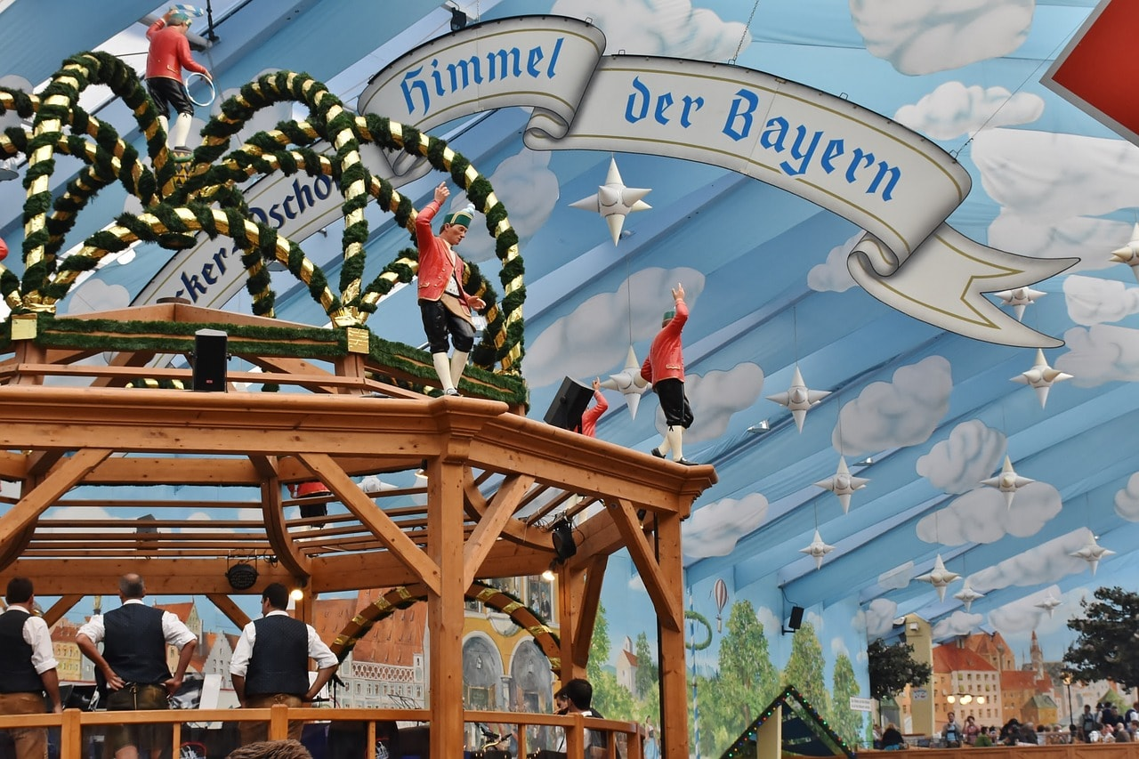 & Oktoberfest: The Essential Guide To Germanyu0027s Beer Tents