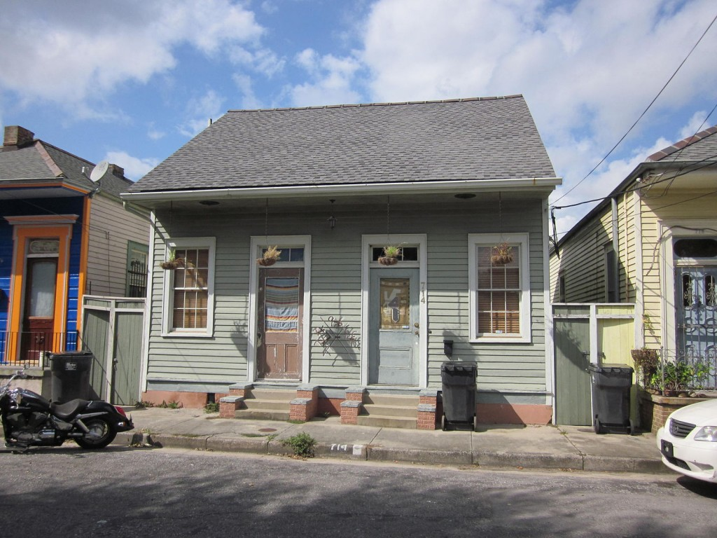 Piety Street, Bywater, New Orleans. Residential architecture on the 700 block | © Infrogmation of New Orleans/WikiCommons