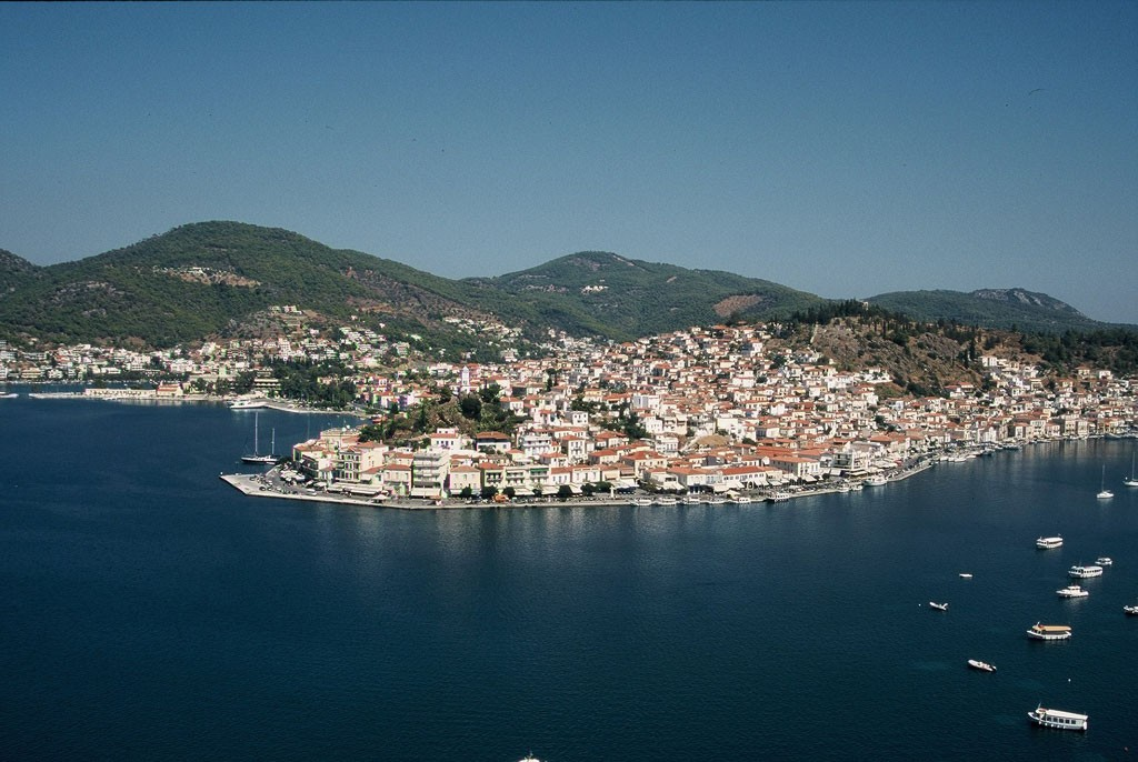 Aerial view of Poros   © Agnee/WikiCommons