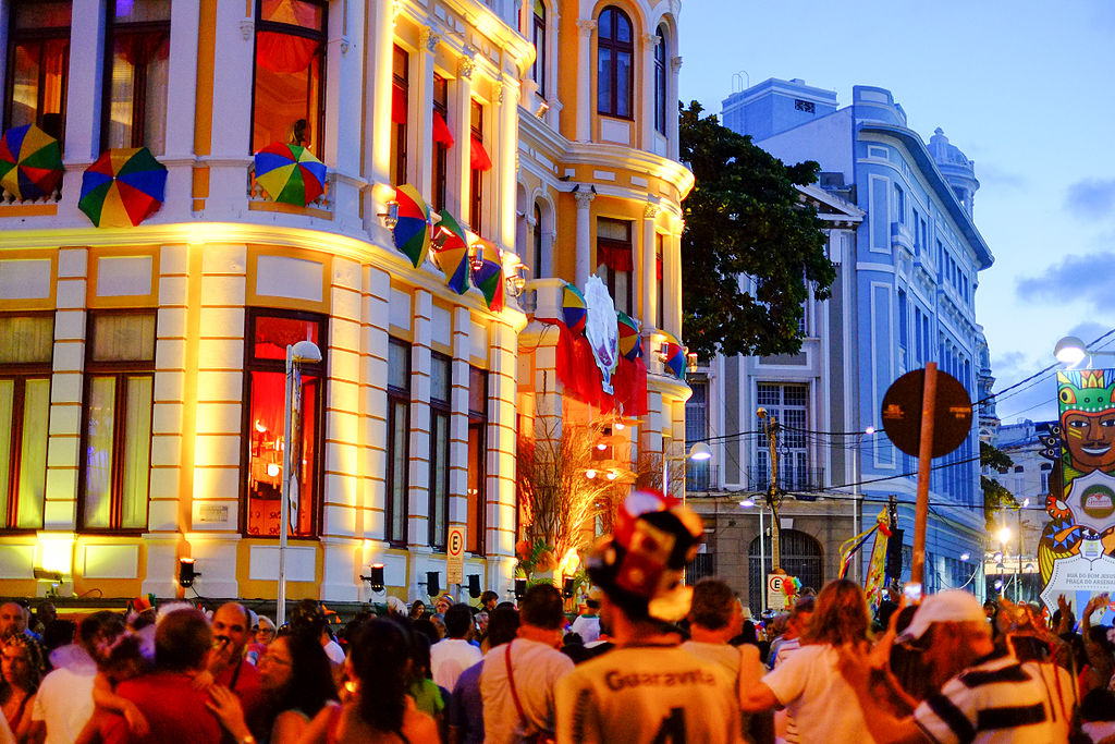 Crowds in Recife |© Raul/WikiCommons