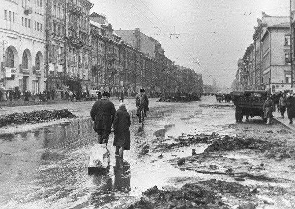 Leningrad in 1942| © Boris Kudoyarov/Wikipedia