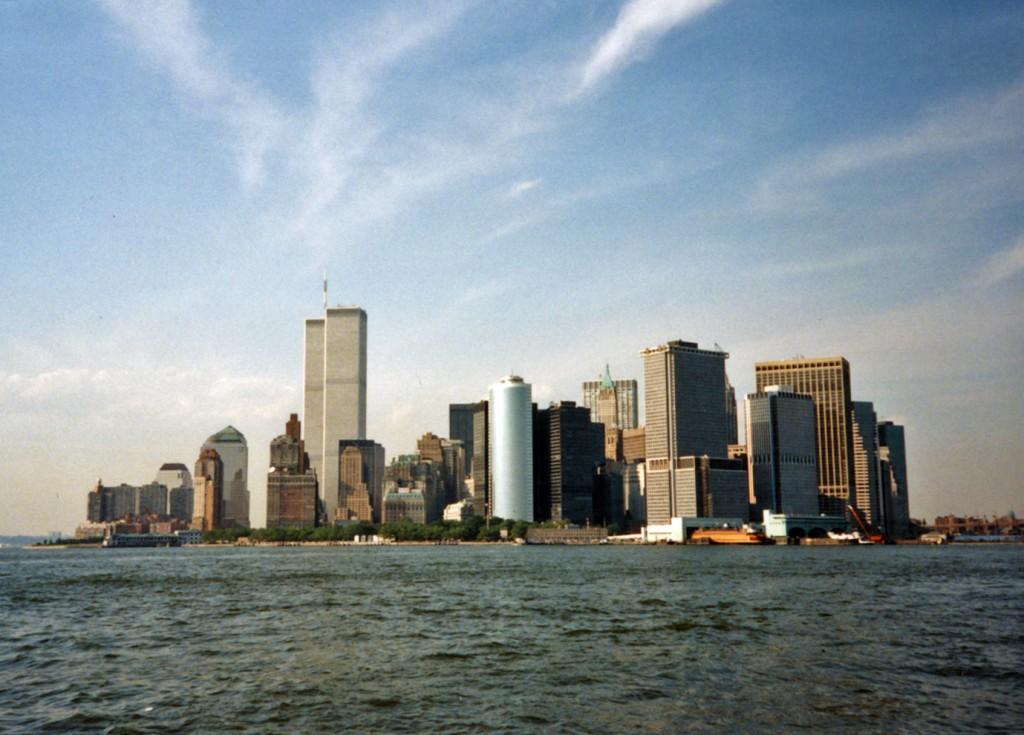 📷 Senor Velasco. Manhattan from Governors Island, NY, 1994