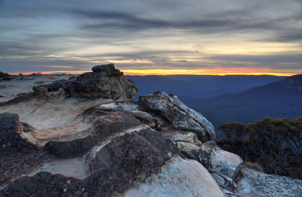 Sunset views from Wentworth Falls, Blue Mountains Australia ©Leah-Anne Thompson / Shutterstock