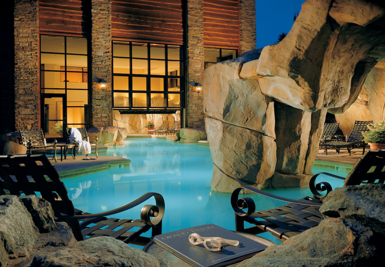 Pool | Courtesy of Snake River Lodge & Spa