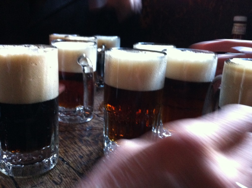 Beer Table at McSorley's Old Ale House | © Matthew Hurst/Flickr