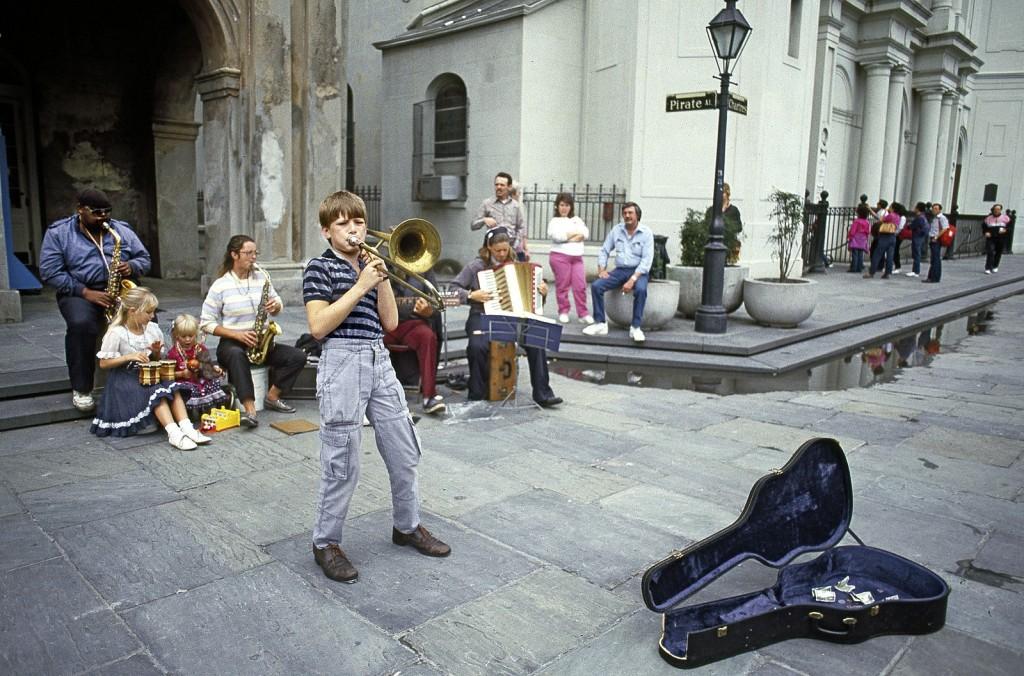 Street Musician  © Carol Highsmith/WikiCommons