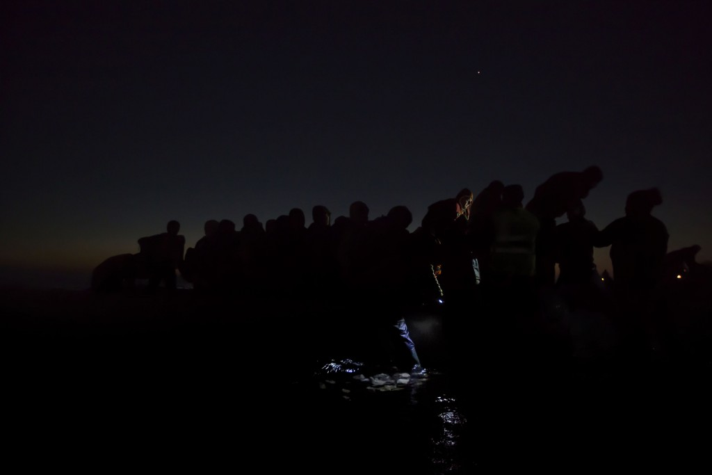 Under the Cover of Darkness, 6 December, Lesbos, Greece. © Paul Hansen. 2nd Prize General Stories, shot for Dagens Nyheter, Sweden. World Press Photo