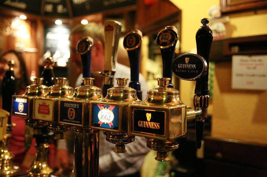 https://commons.wikimedia.org/wiki/File:Beer_taps.jpg