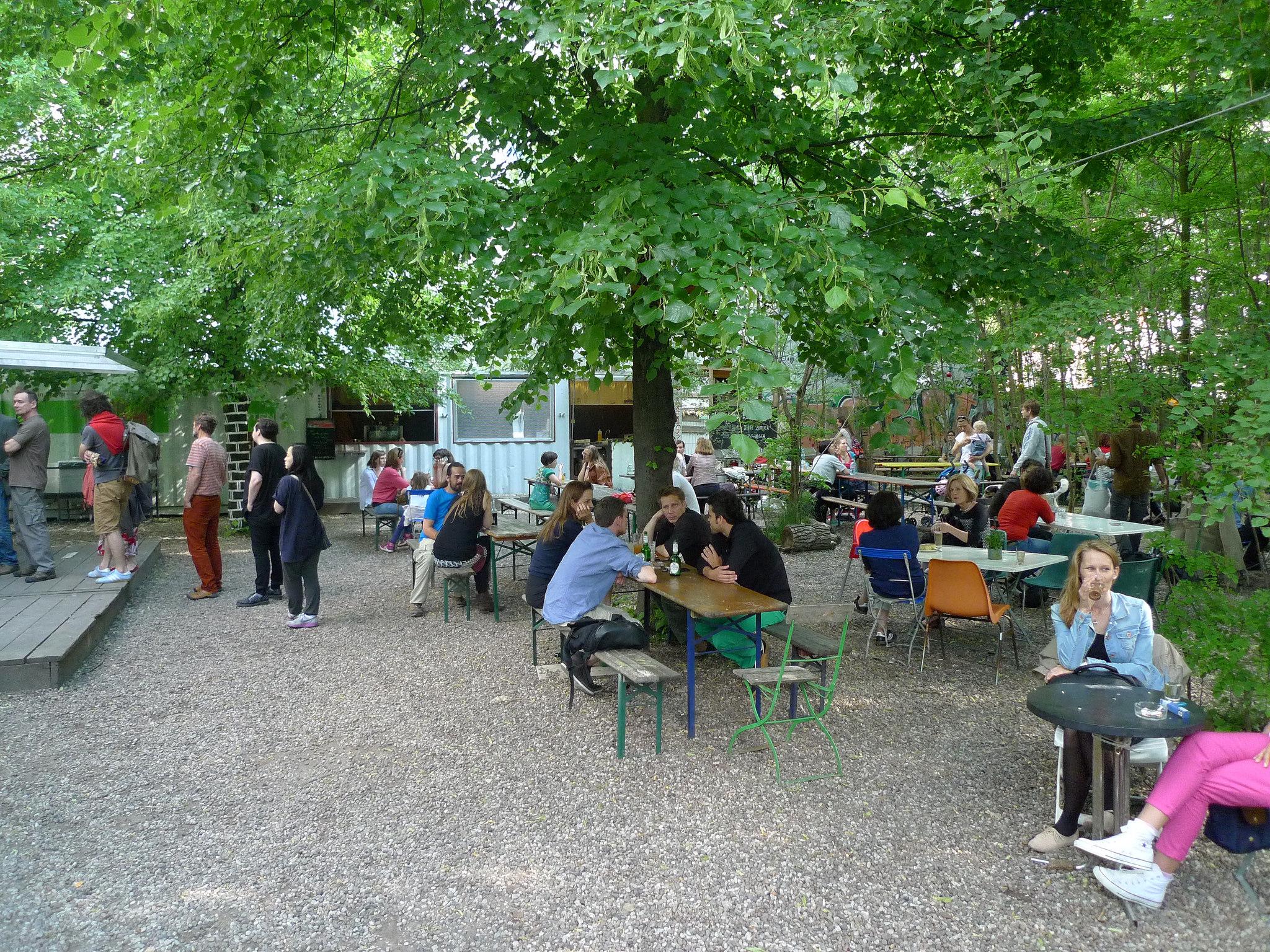 urban gardening a look at berlin 39 s prinzessinneng rten. Black Bedroom Furniture Sets. Home Design Ideas