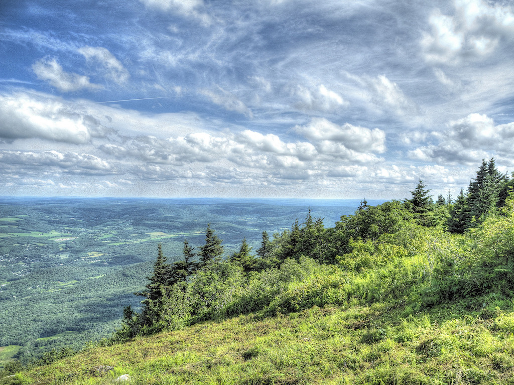 The Best Hiking Trails In Massachusetts