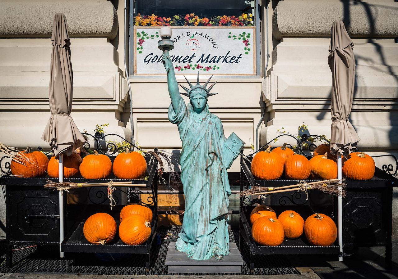 libertas & pumpkins   © Spiros Vathis/Flickr