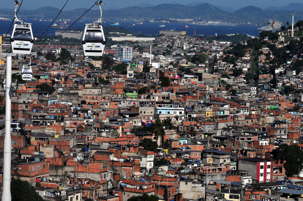 Complexo de Alemao with its cable cart system |© fabian.kron/Flickr