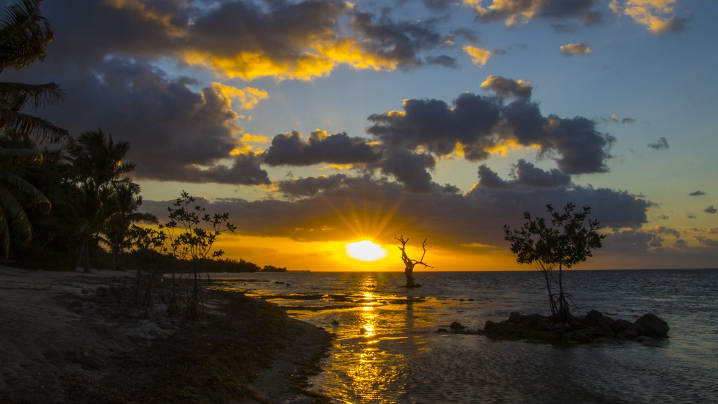 The Florida Keys offer beautiful sights, such as this majestic sunset | Courtesy of Thomas/Flickr