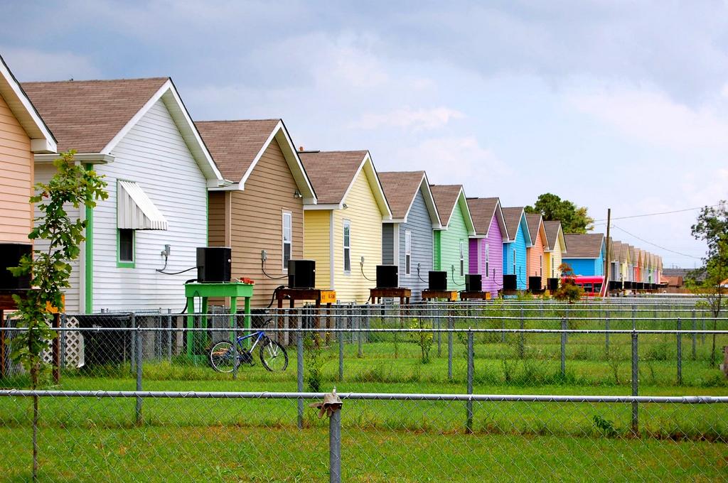 {New Orleans} Musicians Village Rainbow Row | © Tanya Lukasik/Flickr