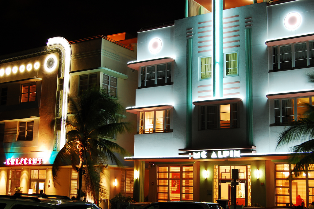South Beach Art Deco | © Wyn Van Devanter/Flickr