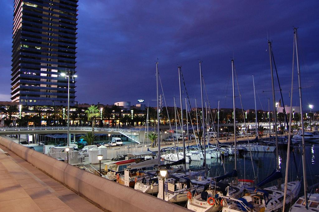 Barcelona's Port Olympic | © Illya Kondratyuk