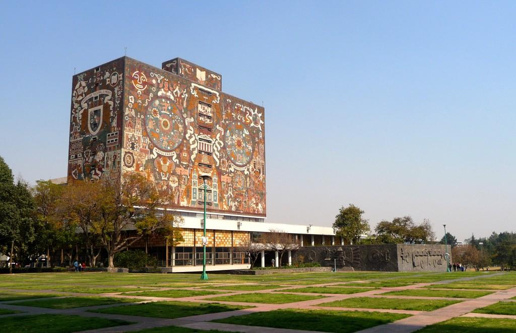 Biblioteca Central, UNAM | © Carlos Álvarez/Flickr