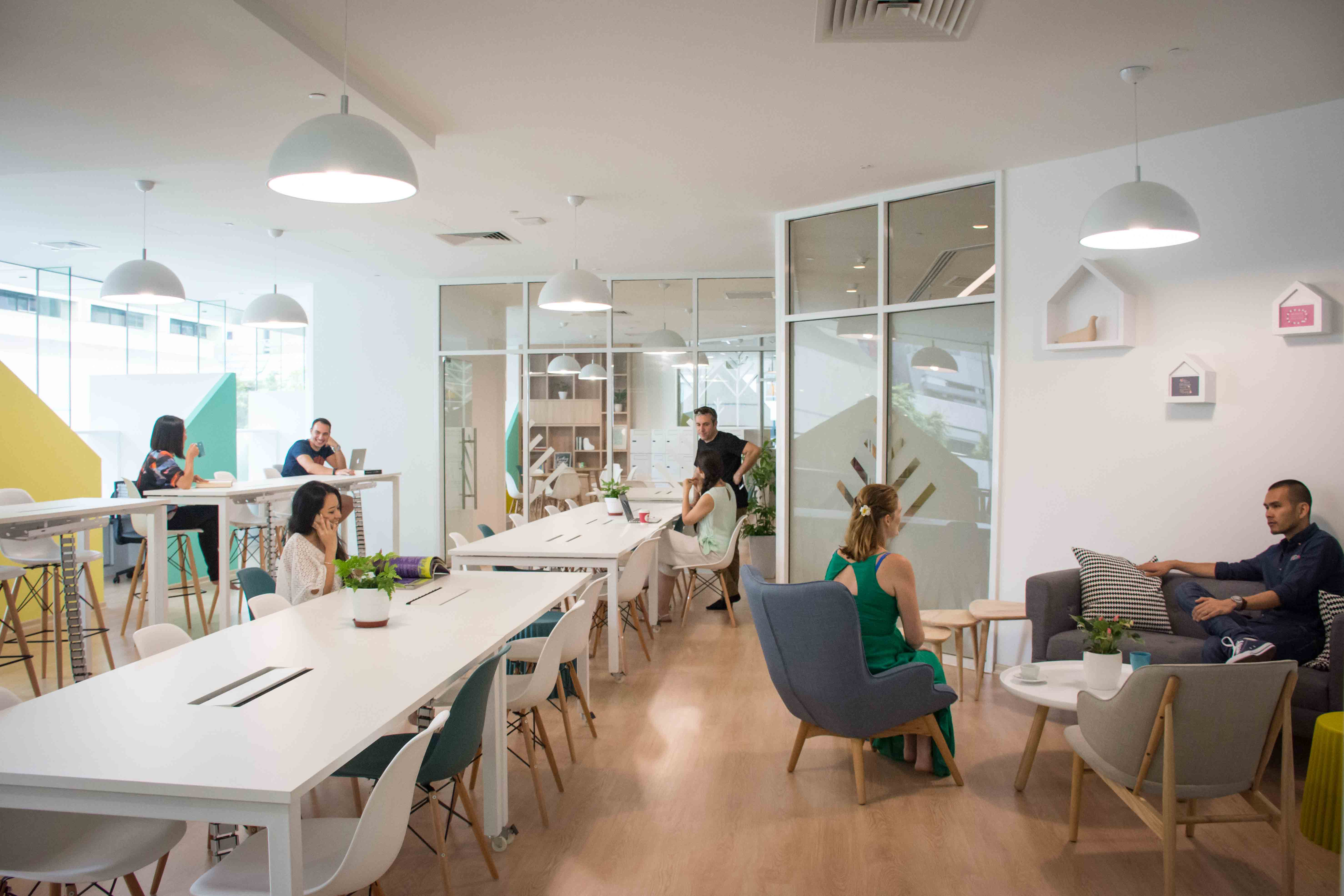 Increase your productivity at the best co working spaces for Salon workspace