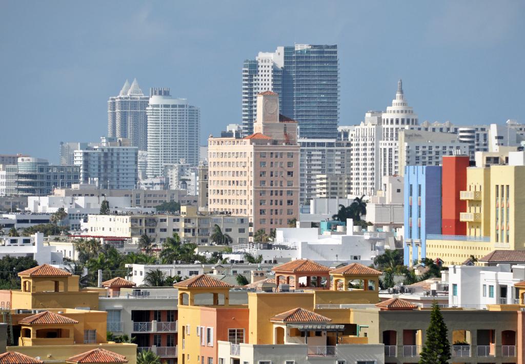 South Beach, Miami, FL | © James Willamor/Flickr