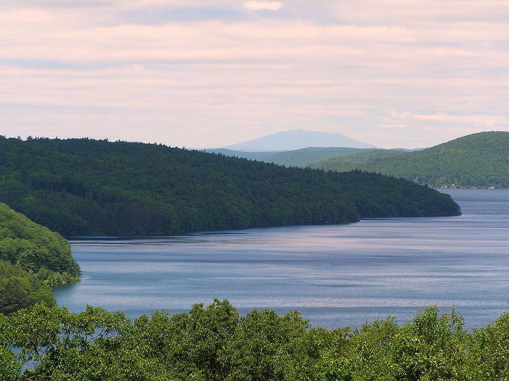 Quabbin Reservoir | ©Henry Zbyszynski/Flickr
