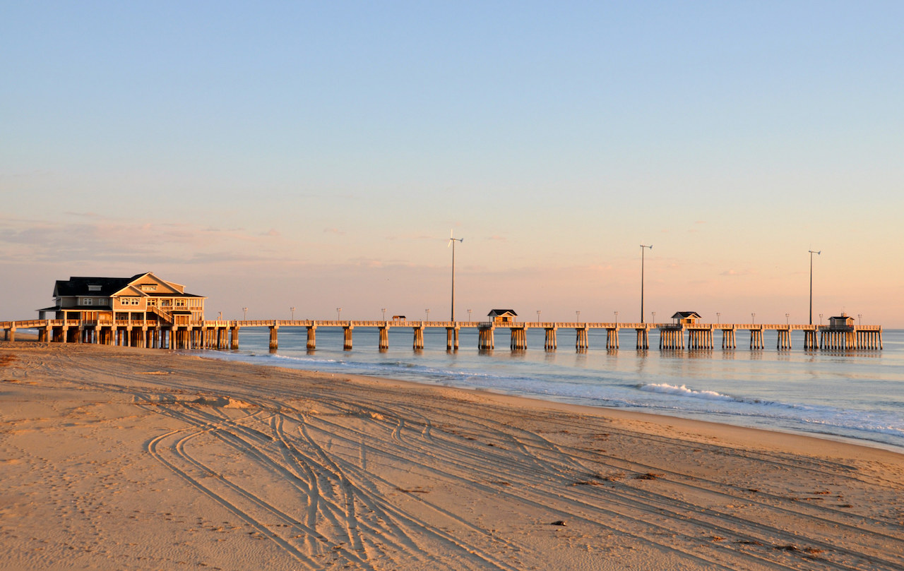 Outer Banks, NC, Jennette's Pier | © James Willamor/Flickr
