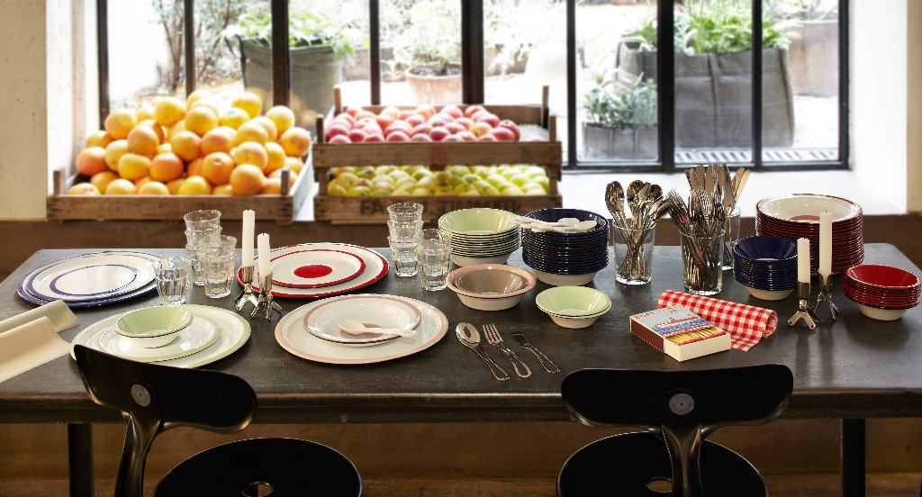 A set dining table at Merci │ Courtesy of Merci