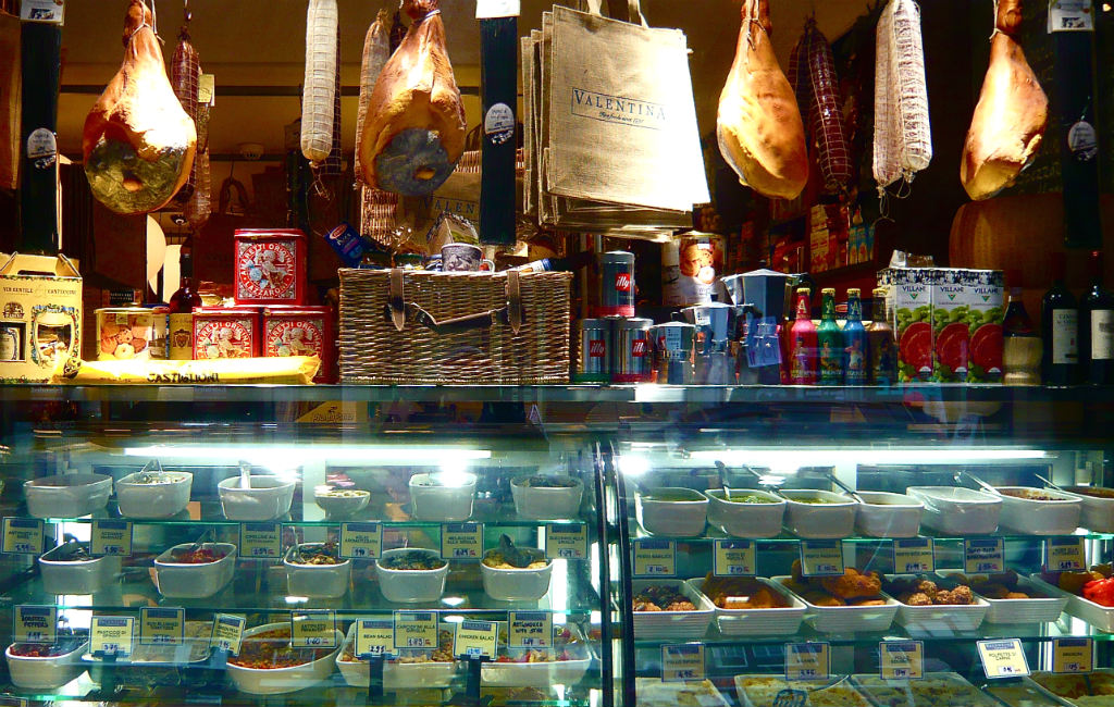 Deli Counter | © Herry Lawford/Flickr