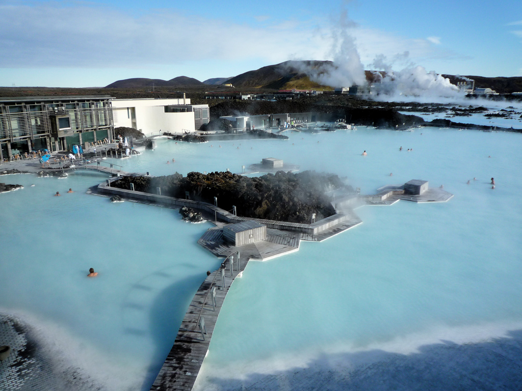 Sauna and spa traditions from around the world for Casette di legno in islanda reykjavik