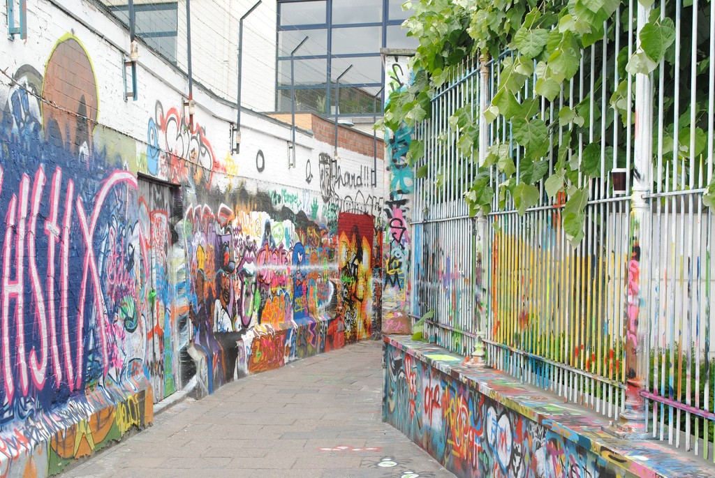 Graffiti alley | © bookfinch/Flickr