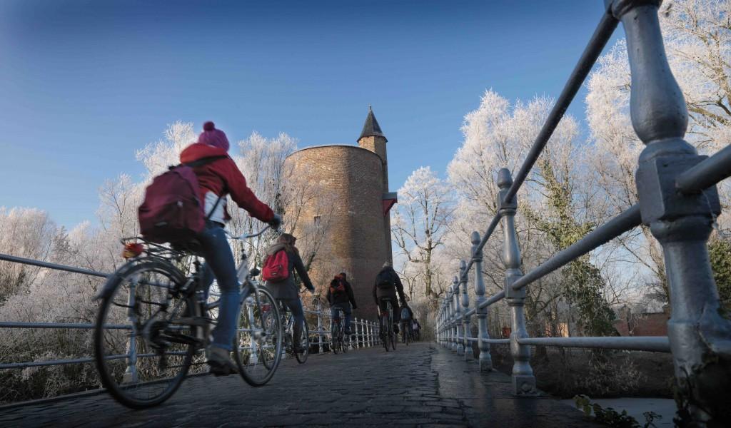 Minnewaterbrug   © Jan Darthet/courtesy of Toerisme Brugge