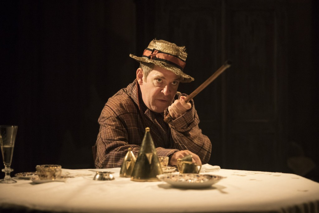 Tom Hollander as Henry Carr in 'Travesties'|©Tom Hall: Johan Persson/Kate Morley PR