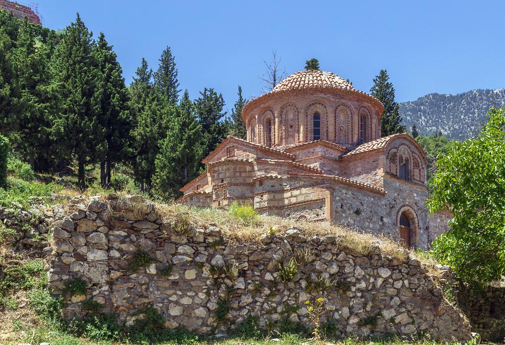 The Church of Agioi Theodoroi in Mystras Peloponnese, Greece ©Borisb17 / Shutterstock