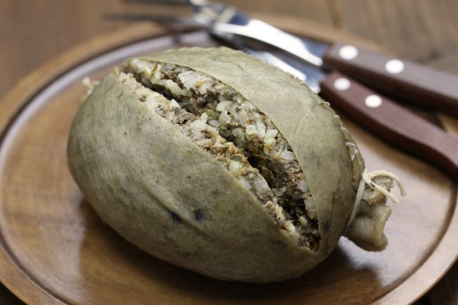 Homemade Scottish Haggis © Bonchan / Shutterstock