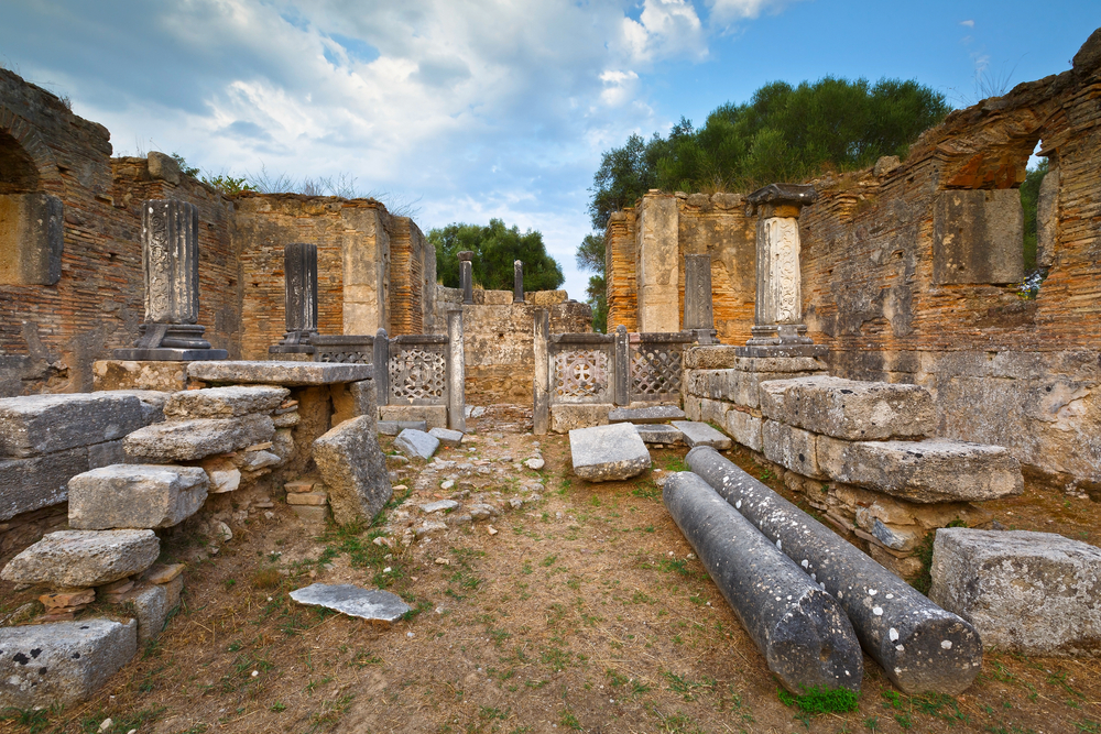 Pheidias' workshop and paleochristian basilica in the archaeological site of Ancient Olympia © Milan Gonda / Shutterstock