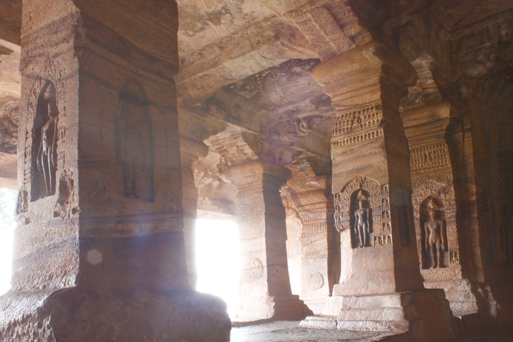 Sculpture at entrance of Cave at Badami, Karnataka, India, Asia © Alexandra Lande / Shutterstock