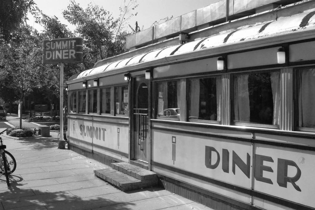 Summit Diner | © Jaboyce/WikiCommons