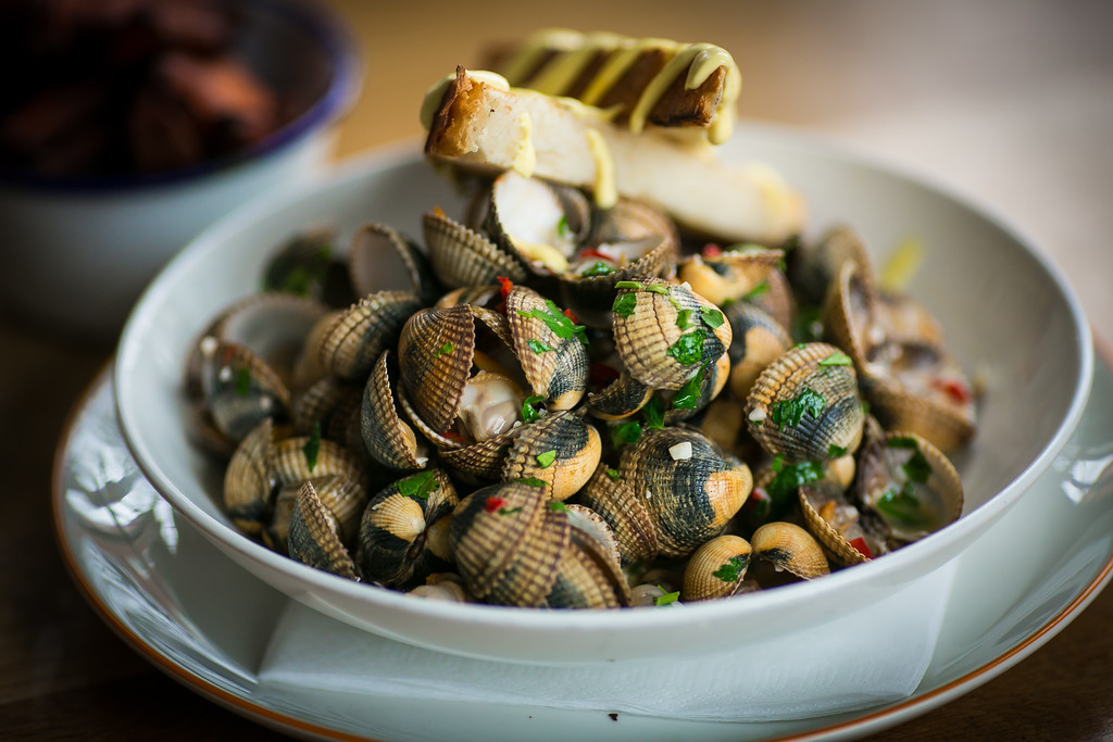 Cockles and mussels at The Winding Stair | © Dave Sweeney. Courtesy of The Winding Stair