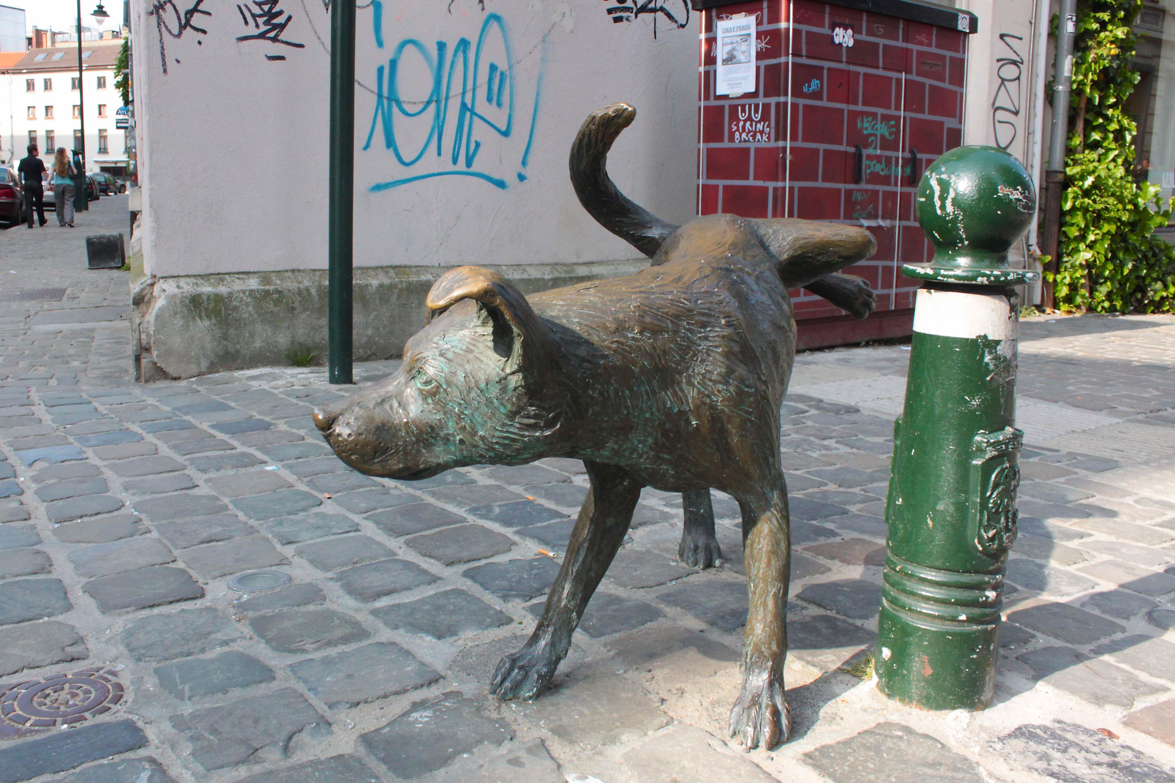 Belgian peeing statue agree