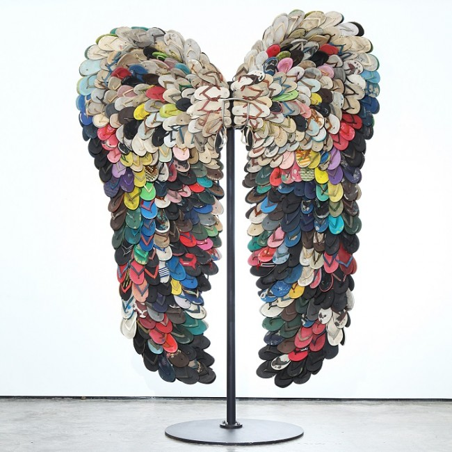 Alfredo & Isabel Aquilizanm Wings III: Courtesy Photo |© Art Miami