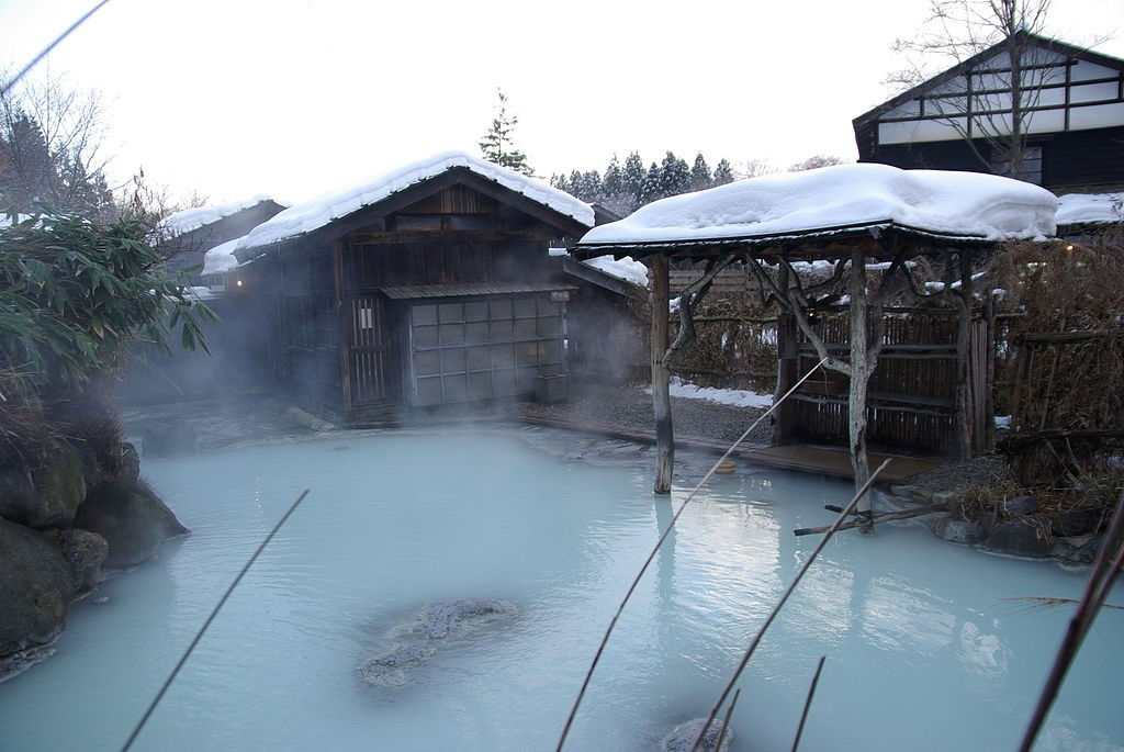 Горячая весна / онсен зимой |  © Fumiaki Yoshimatsu / WikiCommons