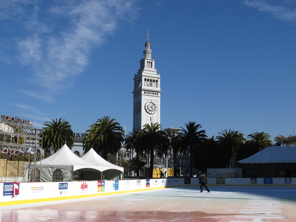 Holiday Ice Rink at Embarcadero Center © Ken Lund/Flickr