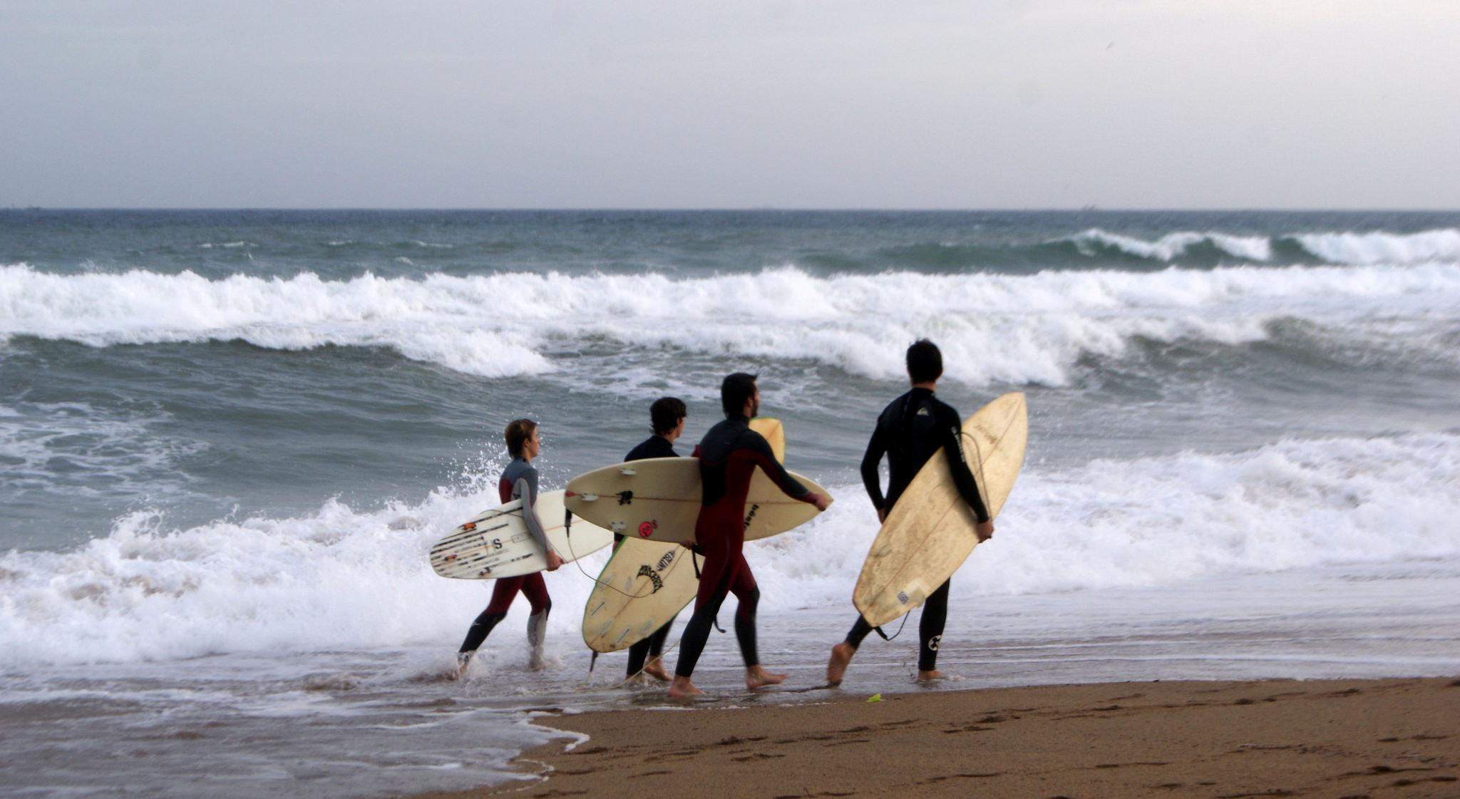 Surfers in La Barceloneta | © Teresa Grau Ros