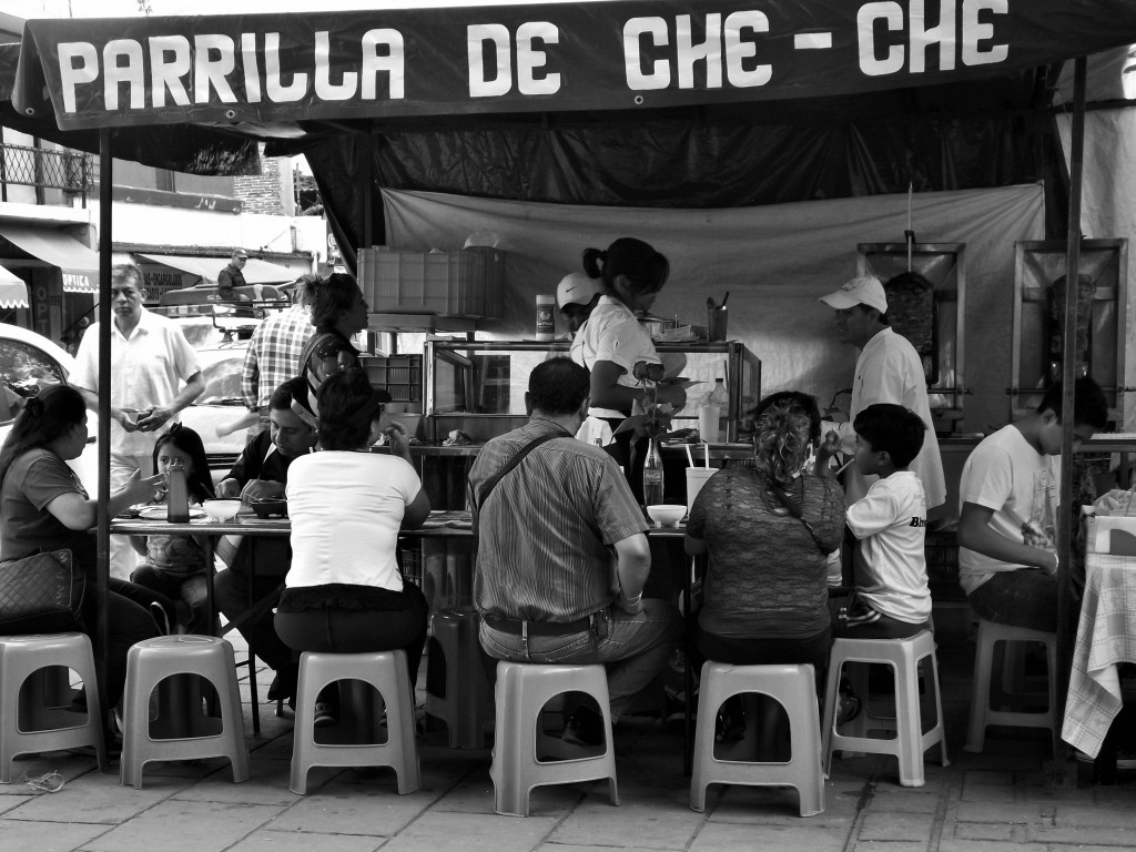 Food market, Parque Llano | © young shanahan/Flickr