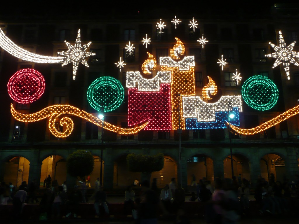 Lights in the zocalo │ © Randal Sheppard/Flickr