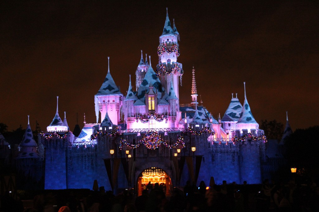 Disneyland Christmas | © davebloggs007/Flickr