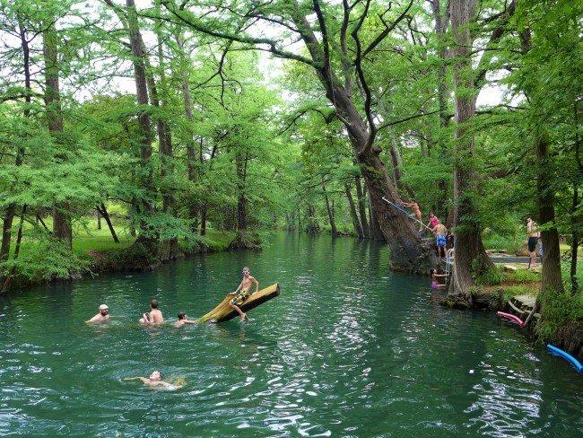 Blue Hole in Wimberley, TX © robert thigpen/Flickr