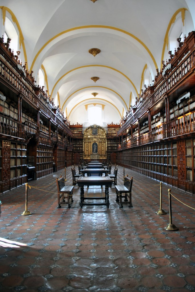 Biblioteca Palafoxiana | © ProtoplasmaKid/WikiCommons