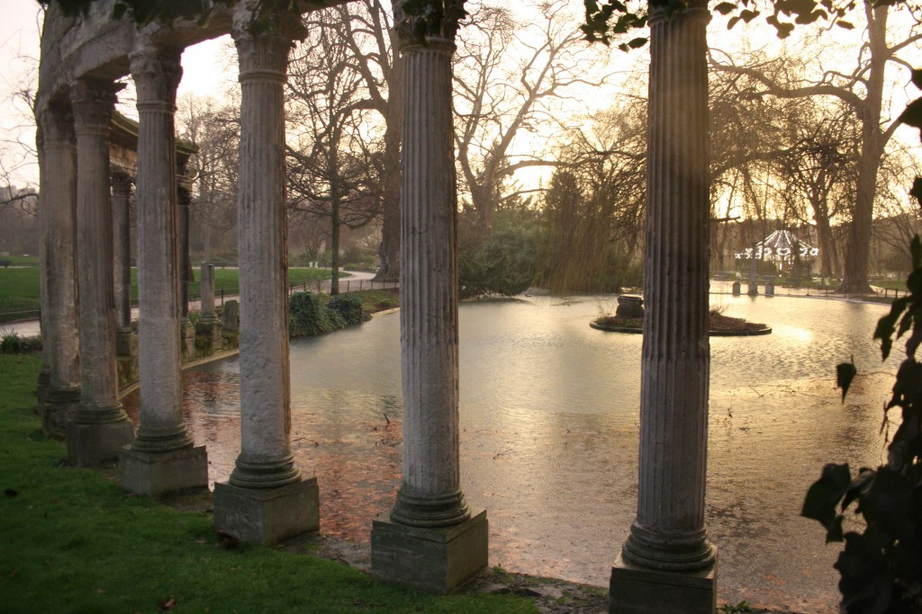 Colonnades in the Parc Monceau │© ParisSharing