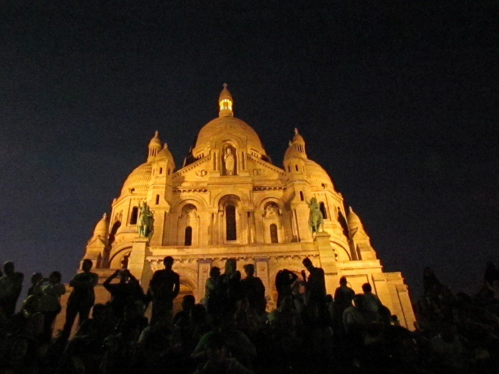 Crowds at the Sacré-Coeur │© Teresa K.